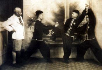 Taai sigung Lam Saiwing přivýuce